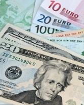 В пятницу доллар подешевел на 19 копеек