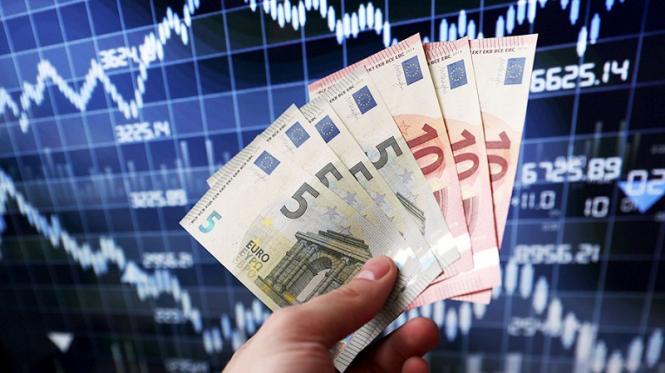 analytics5b86bdf67bde1 - Deutsche Bank «хоронит» доллар, ожидая евро по $1.40