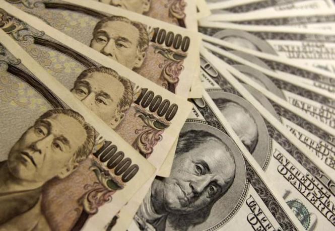 Доллар растет против иены вместе с оптимизмом в отношении мировой экономики