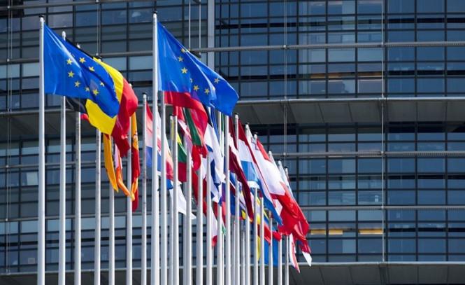 analytics5f182041271c9 - Евро готовится покорять новые вершины, тогда как доллару и фунту приходится бороться с сильным встречным ветром