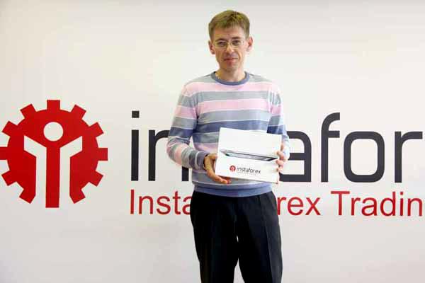 http://forex-images.instaforex.com/userfiles/image/company_news/InstaForex_Device.JPG